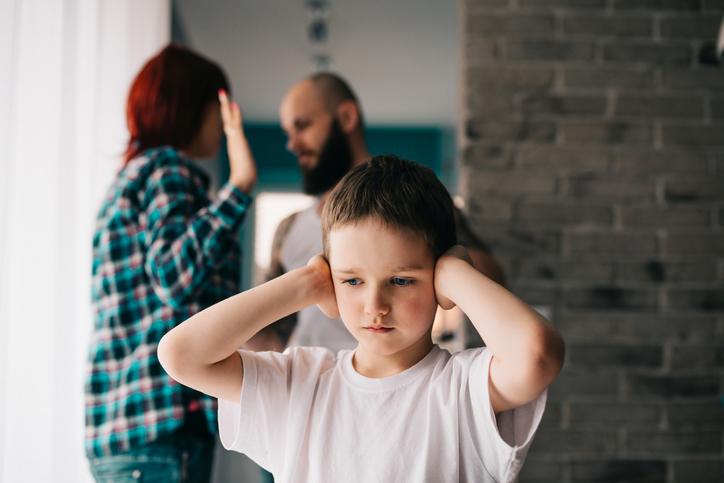子供だって父親の悪口は聞きたくない(写真:iStock)