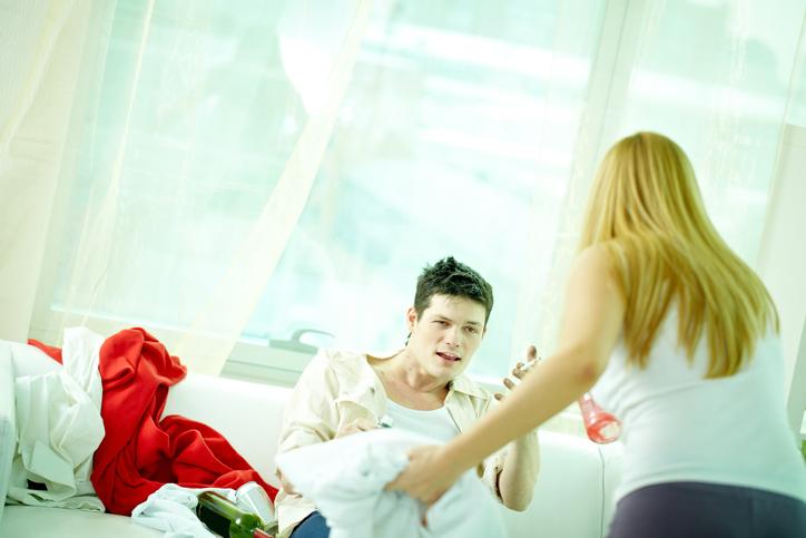 夫のだらしなさに、もう限界!(写真:iStock)