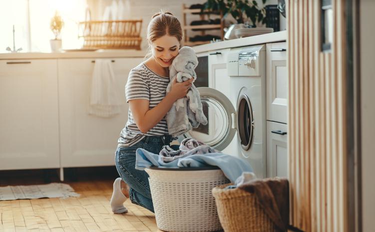 毎日のお洗濯が節約になる(写真:iStock)