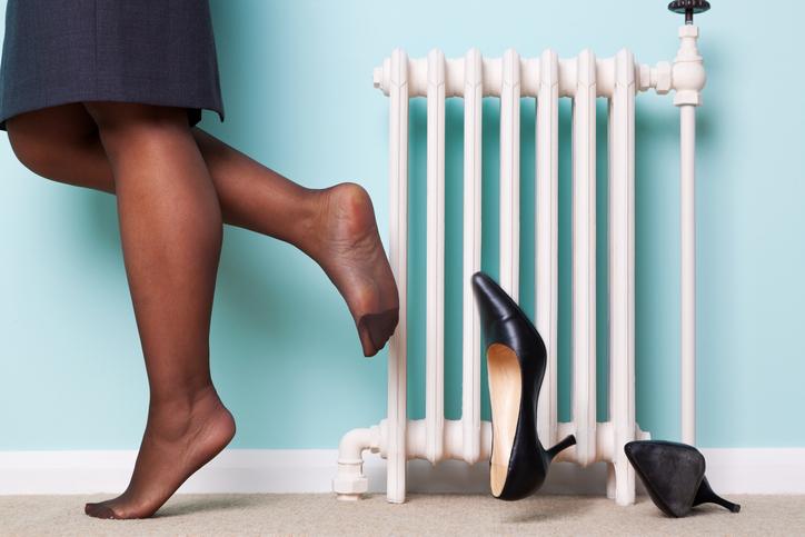 靴の脱ぎ方だって見られてると思って!(写真:iStock)