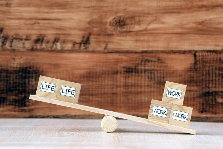 仕事ばっかりじゃ疲れちゃうよ(写真:iStock)