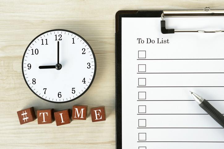 朝一番にスケジュールを決める(写真:iStock)