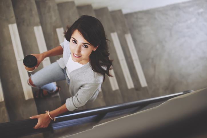 階段を使おう!(写真:iStock)