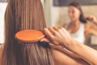 髪を早く伸ばす方法6選! 正しいアプローチでロング美髪に♡