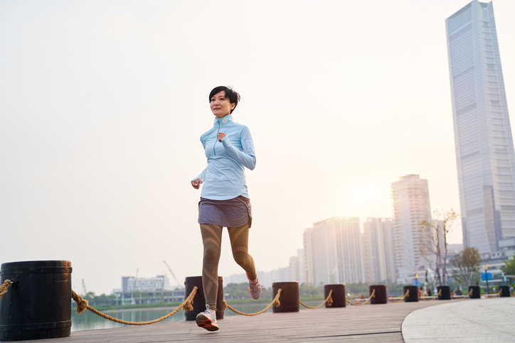 有酸素運動とあわせると効果的(写真:iStock)