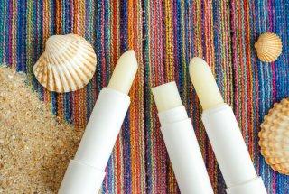 リップクリームで乾燥知らずのうるツヤ唇に♡選び方&使い方