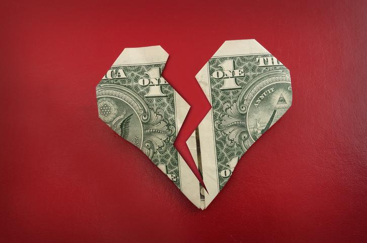 「金の切れ目が縁の切れ目」とはよくいったもので…(写真:iStock)