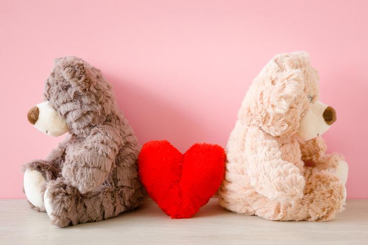 この年になると恋愛がちょっぴり面倒なんです(写真:iStock)