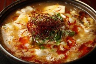 食べるスープ!「豚肉と春雨・豆腐のピリ辛酸辣小鍋仕立て」
