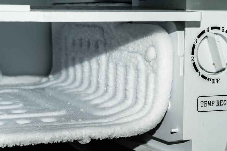 冷凍庫で凍らせると伝線しにくくなるんだって!(写真:iStock)