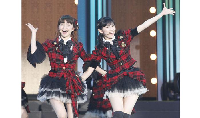 AKB48など女性アイドルは国民的スターになってもイベントですぐ手が届く存在。リターンも多い/(C)日刊ゲンダイ