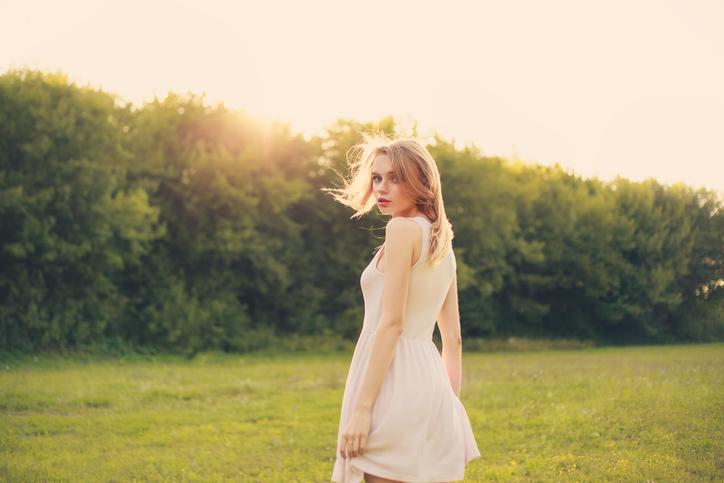 魅力的な色気を身に着けよう(写真:iStock)