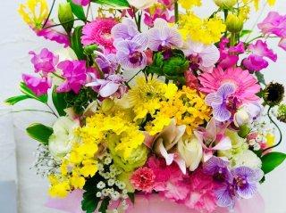 送別に花は必要なの? 花屋が伝授「花贈りの方法とマナー」