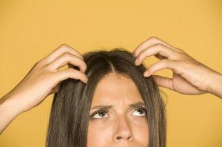 髪が静電気でぺったんこ!今すぐできる対策&アイテム10選♡