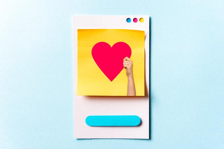 健気で明るいLINEで応援(写真:iStock)