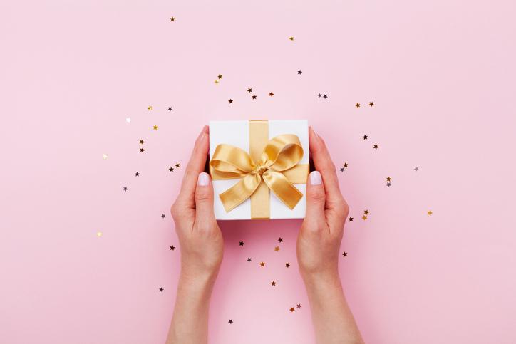 ささやかな贈り物がうれしい(写真:iStock)