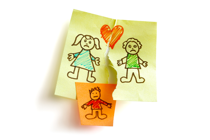 「子供のために離婚しない」が子供を苦しめる(写真:iStock)