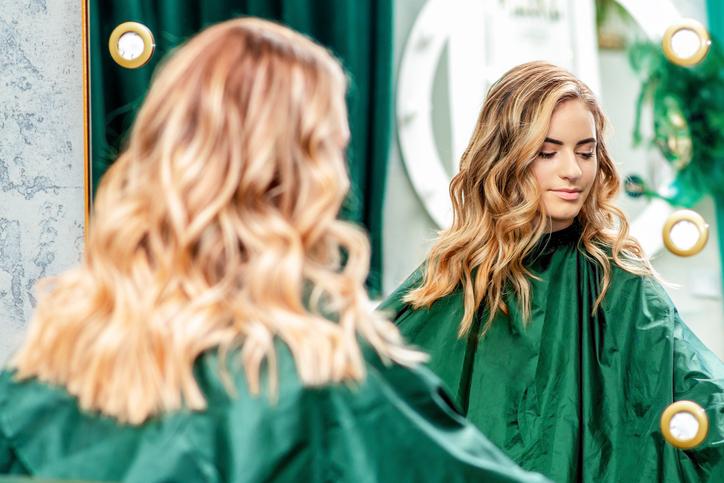 お得にお気に入りの美容師さんが見つかるかも(写真:iStock)