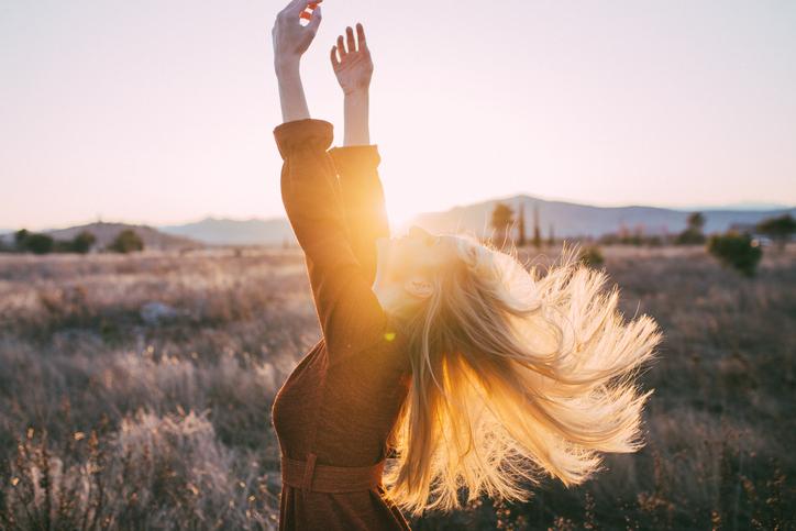 美しい髪に感じる色気(写真:iStock)