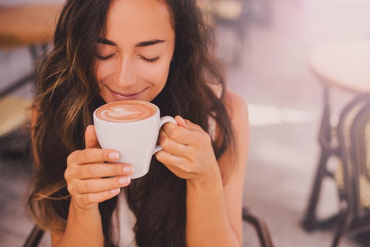 おいしそうな笑顔っていいよね(写真:iStock)