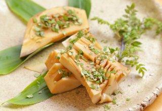 「筍木の芽焼き」水煮のタケノコにタレで香ばしさをプラス