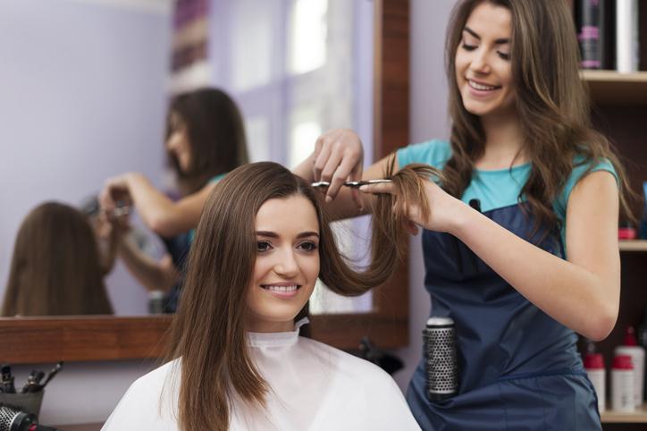 ピッタリの美容師さんに出会えますように(写真:iStock)