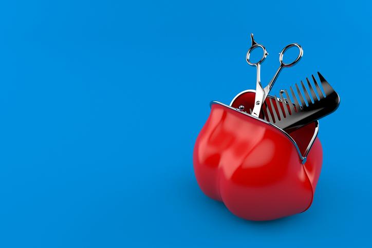 美容室のコストが気になる(写真:iStock)