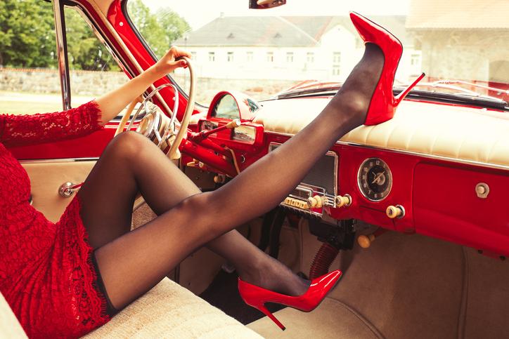 セクシーな赤の誘惑(写真:iStock)