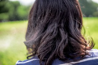 年齢のせい? 髪のうねりの5つの原因!直し方&ヘアケア方法