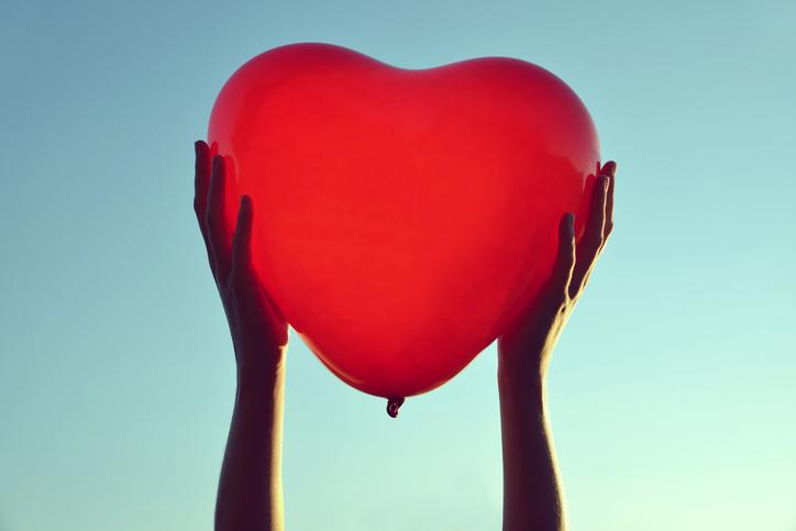 推しへの愛は無限だよ!(写真:iStock)