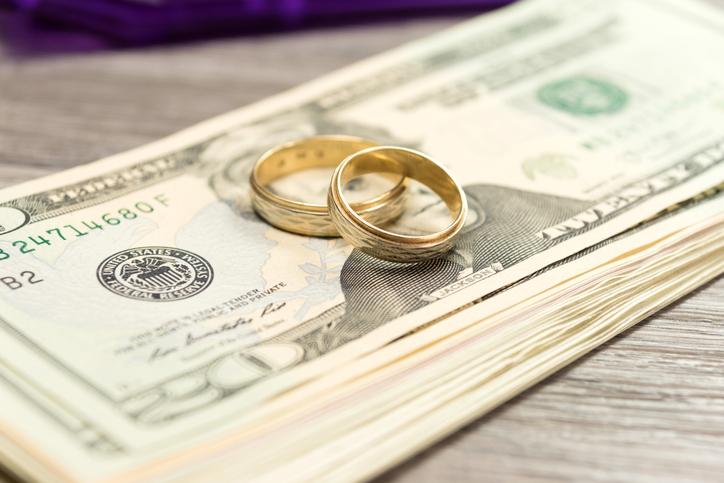 多めの「新生活支度金」でスムーズに離婚(写真:iStock)