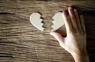 恋愛で傷つくのが怖い…そう感じる5つの原因&脱出方法は?
