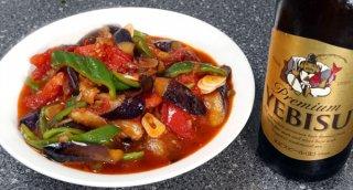 「ナス、トマト、ピーマンの黒酢炒め」底のスープも有効活用