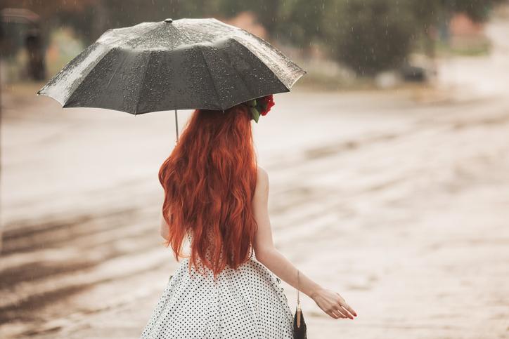 梅雨だって自分らしく(写真:iStock)