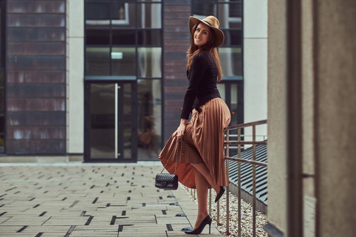 ヒップや太ももをカバーしてくれるフレアスカート(写真:iStock)
