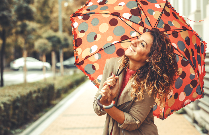 雨の日でもおしゃれを楽しみたい♡(写真:iStock)