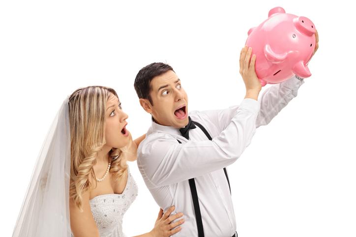 お金にルーズな人との結婚は大変(写真:iStock)