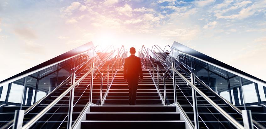 自分への投資としてのアイドルの道(写真:iStock)