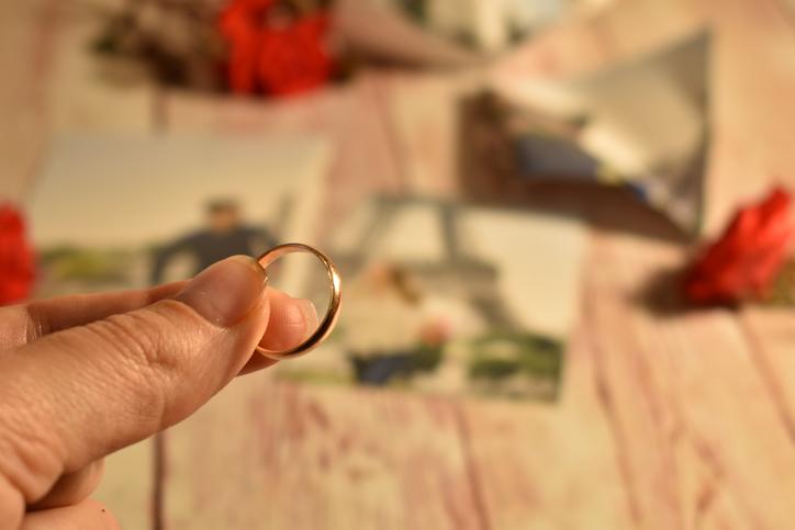 大好きで結婚したはずなのに…(写真:iStock)