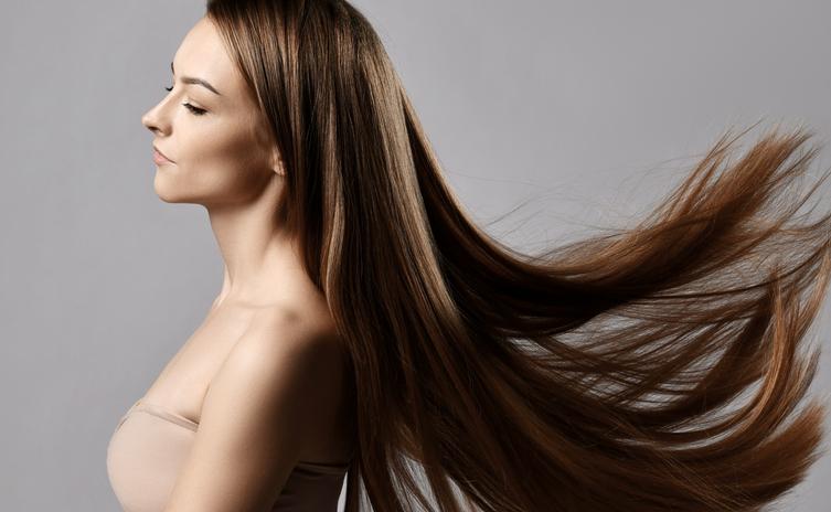 ヘアオイルでツヤ髪を手に入れよう(写真:iStock)