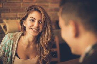 男心を弄ぶ思わせぶりな女性の特徴5つ&気を付けたい注意点
