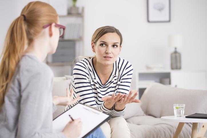 人の悩みを解決するプロ「心理カウンセラー」(写真:iStock)
