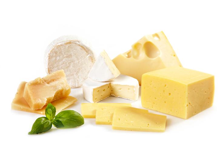 チーズはダイエット中のおやつに最適(写真:iStock)