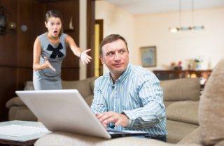 収入減で価値観の違い露呈…ネガティブな妻に無力感を抱く夫