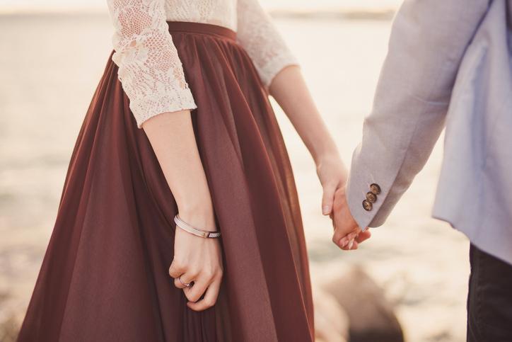 女性らしさ&上品さを心がけて(写真:iStock)