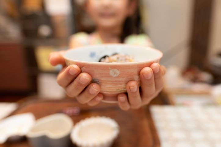 子供に食の大切さを教えられる(写真:iStock)