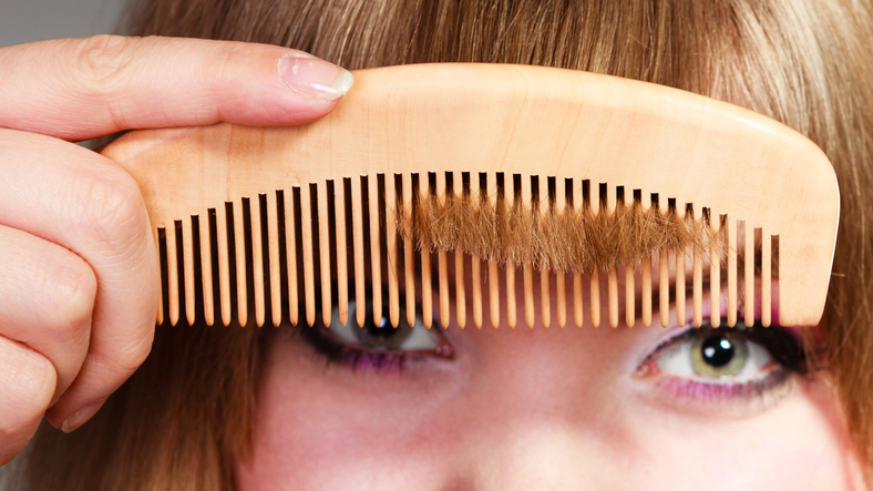 前髪が浮いちゃう…(写真:iStock)