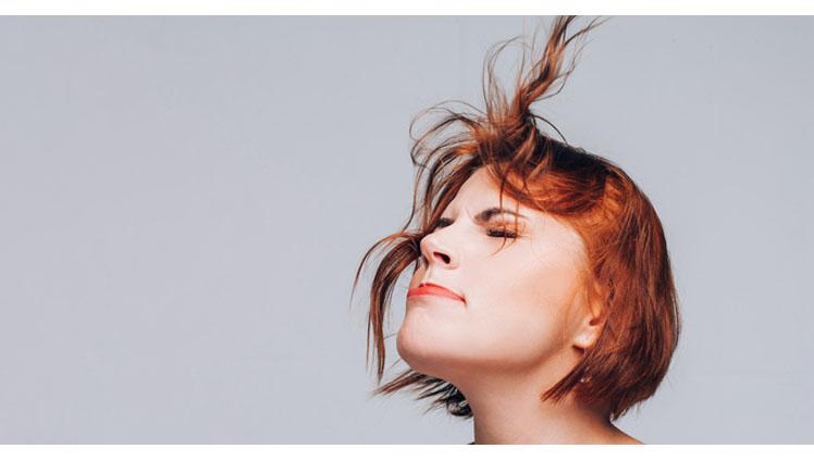 前髪が決まらない!(写真:iStock)