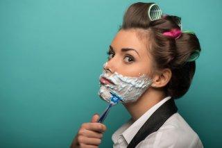 顔の産毛が濃いのが気になる…すべすべ肌を目指す5つの方法