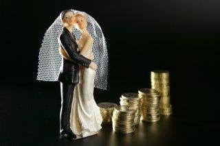 男性のお金目当てで結婚する女性の特徴5つ&後悔するケース